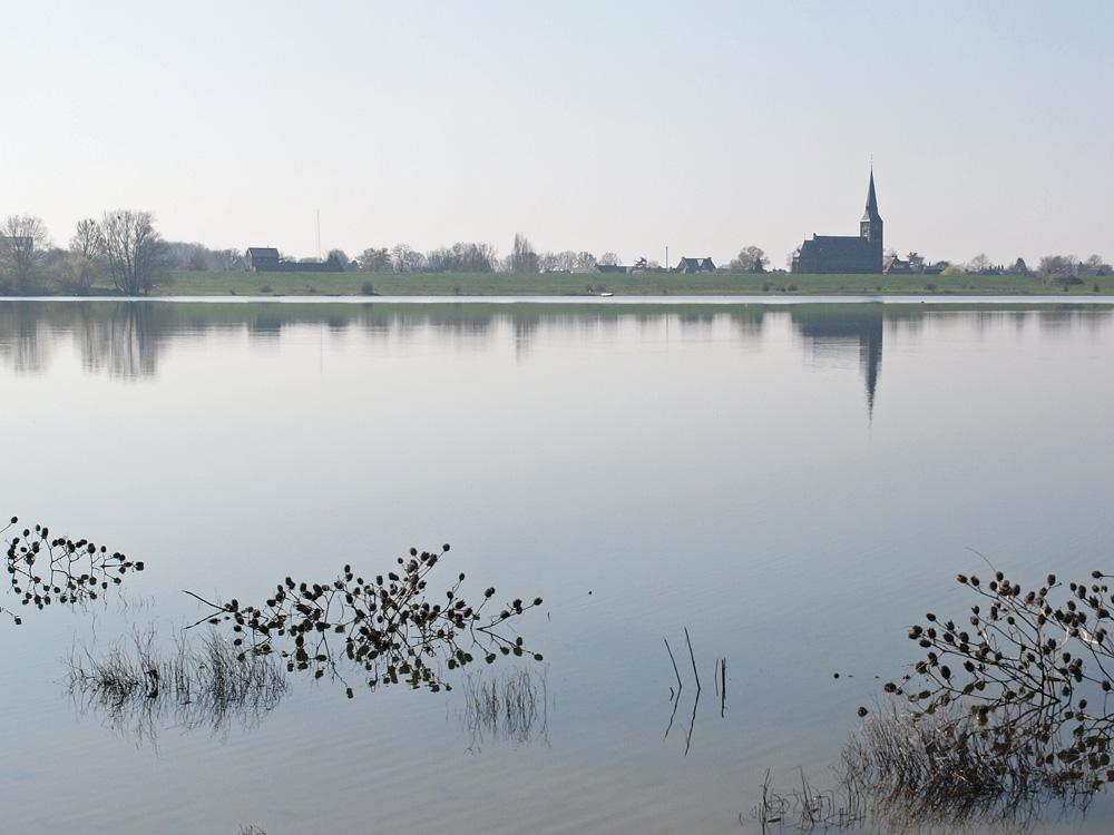 kerk bij Weurt